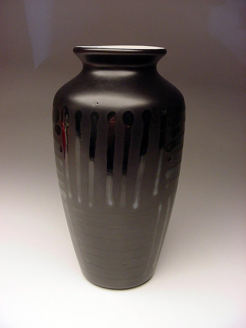 Circa 1970 English Poole Vogue Silk and Satin Black glaze Modernist Vase Signed Initialed
