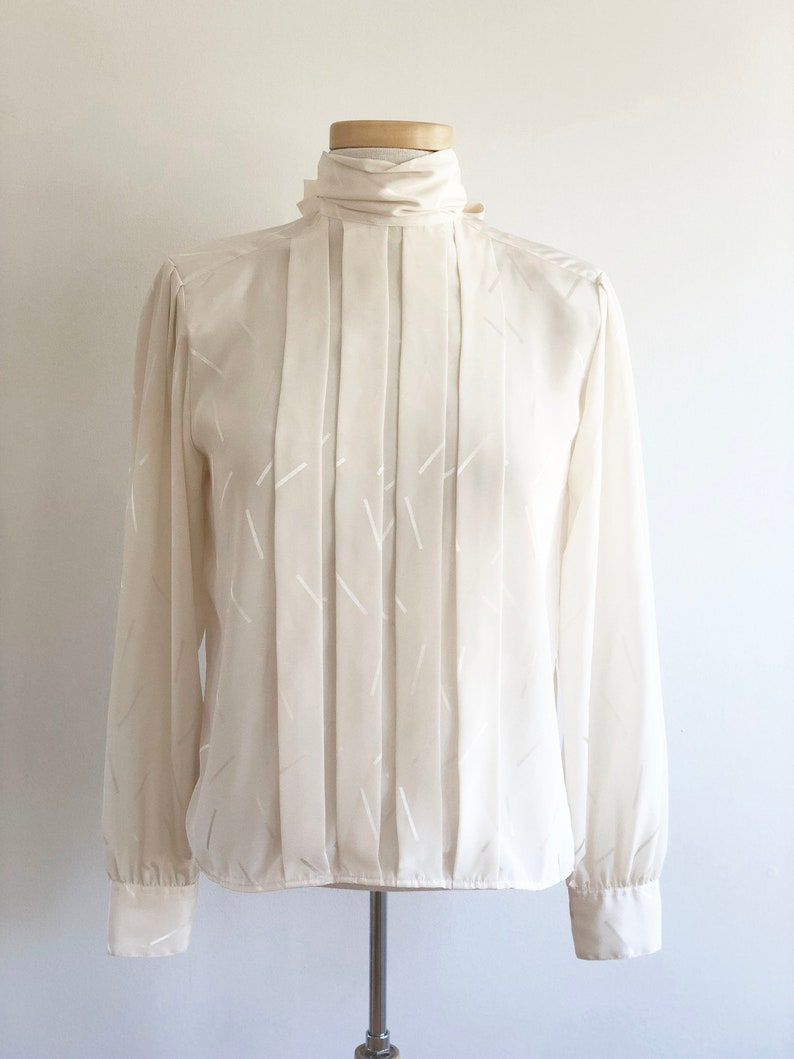 80s Secretary Blouse Laura and Jayne Bow and Pattern Cream White