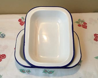 """Set of Two Bumper Harvest White Enamel Oven Trays with Blue Trim, 8"""" (20 cm) x 6"""" and 1 1/2"""" Deep, Baking Dishes, Pharmacy Tray"""