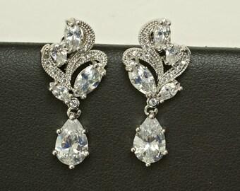 Earrings for Bride, Crystal Bridal Earrings, Crystal Bridal Jewelry, Crystal Wedding Earrings, Sparkly Earrings