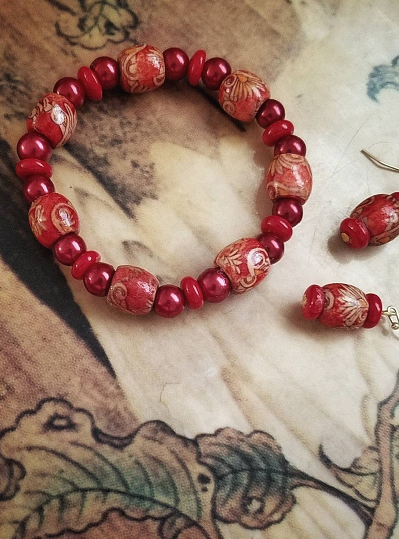 Red Beaded Jewelry Set for Her Fall Jewelry Set Women/'s Red Beaded Boho Stretch Bracelet and Matching Earrings