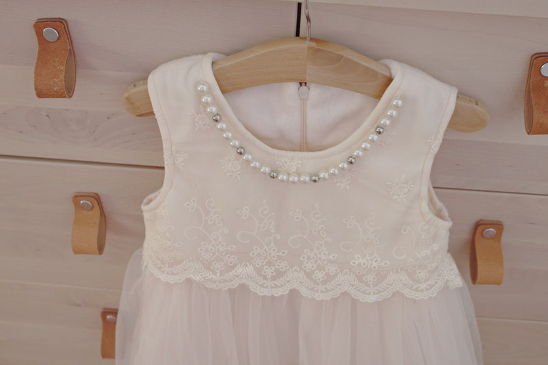 Ivory flower girl dress..Beautiful velour and tulle Girl dress....Birthday dress..flower girl dress..