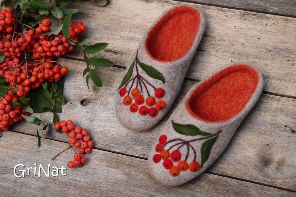 Slippers Warm Felted Women Wool  Warm Slippers Gift for her  Rowan Cozy slippers Hand crafted Home shoes Woolen Art slippers GriNat e26936