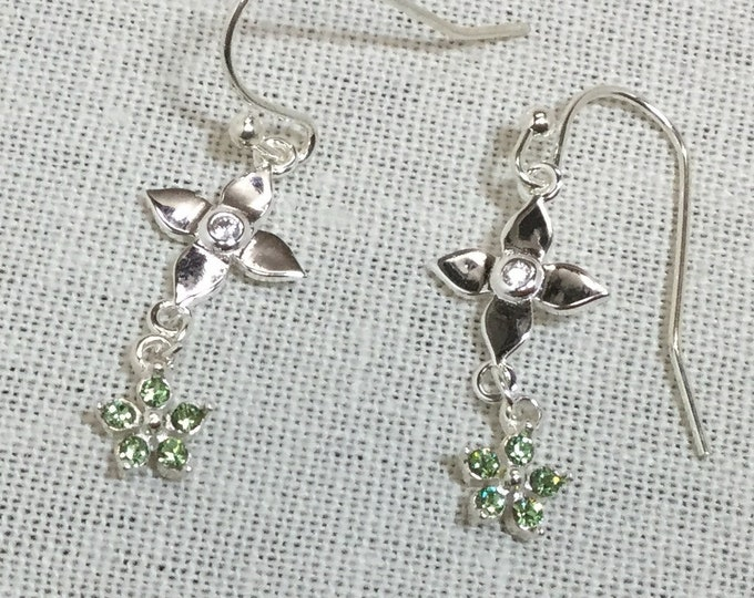 Silver star flowers with peridot flower charms
