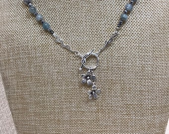 Front toggle with Aquamarine and Pearls