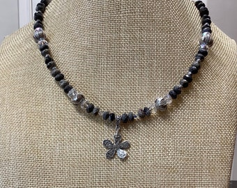Flower necklace with black leaf Jasper