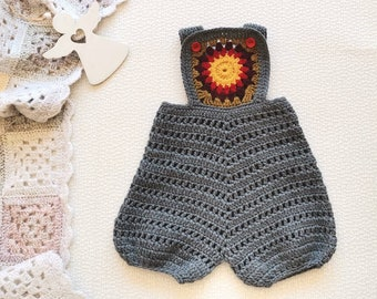 Crochet baby pants with red flower Unisex vintage baby shorts Gray wool pants for 6 - 9 month baby