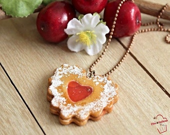 Necklace biscuit heart strawberry jam