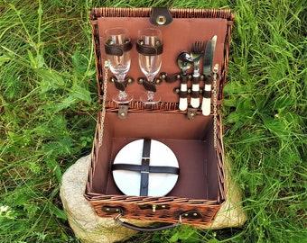 Vintage wicker picnic basket, Picnic basket, Picnic basket for 2 people, Big wicker picnic basket with cutlery, Basket for camping