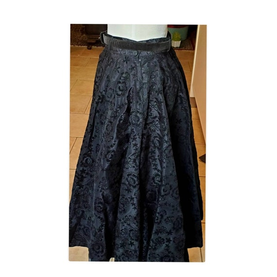 Vintage Black 1940's 50s Rockabilly Circle Taffeta