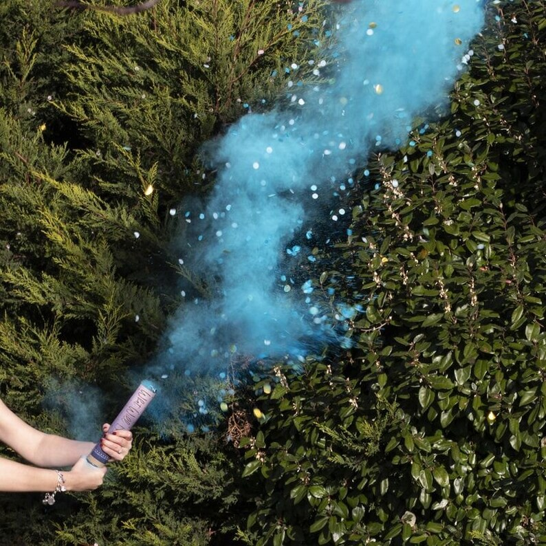 Blue Gender Reveal Smoke Cannon With Confetti Boy Gender image 0