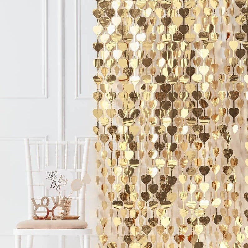 Gold Heart Backdrop, Gold Heart Photo Booth Backdrop, Wedding Backdrop,  Party Backdrop, DIY Photobooth, Rustic Wedding, Gold Heart