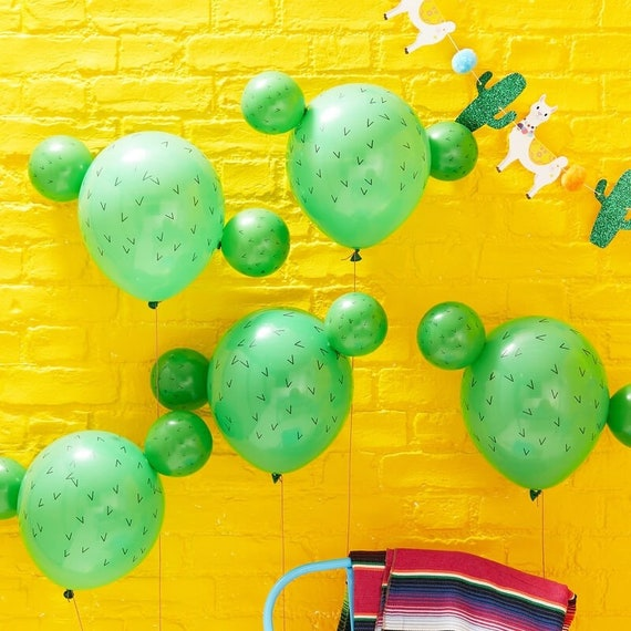 5 Cactus Balloons, Viva La Fiesta, Cactus Party Decor, Cactus Party, Cowboy Party, Fiesta Decorations, Summer Party, Mexican Fiesta Party