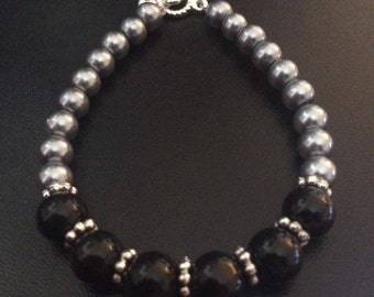 Black and Gray Glass Pearl Bracelet with Silver Beads and Silver Clasp