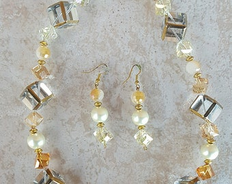 Glass and Pearls Neckalace set
