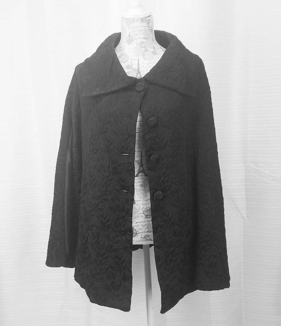 Vintage black cape coat embroidered specialty hous