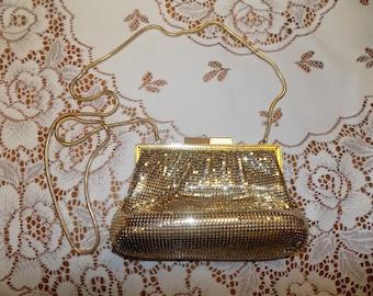 Vintage LA Regale Gold Toned Clutch Purse Hand Bag Like New See Scans Hand Bag Purse