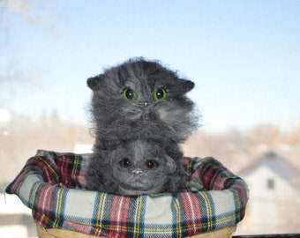 Felted MOM Cat and little cat in the basket