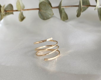 Non Tarnish Gold Ring // Jewelry // Minimalist Swirl Rings // classic gold ring / Simple Gold Ring / Thin Gold Ring
