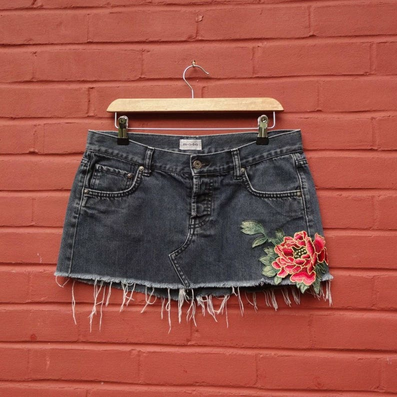 Denim mini skirt with floral motiv  floral embroidery  Medium  Upcycled  festival