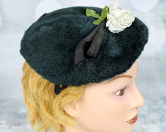 9e967b091bc96 Womens Vintage 1960s Dark Green Mohair Cap Hat Headpiece w Flower
