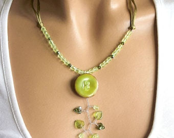 Jewelery set lime green round button