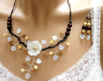 Set was floral brown/white/gold
