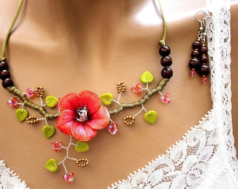 Set floral Camellia red green and Brown