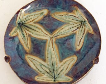 Ahhhmazing tri leaf impression  ash tray