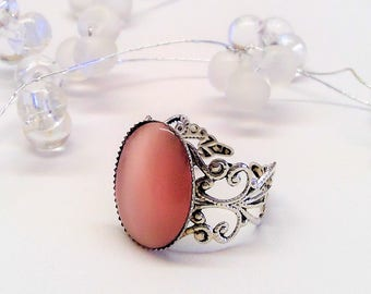 Ring silver with rosé cabochon, vintage