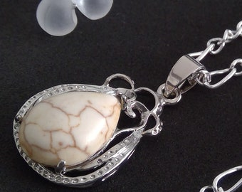 Echtes Howlit Naturstein mit Silber Figaro Kette