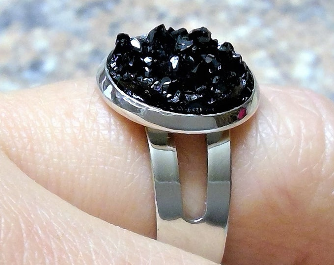 Ring silver plated with black ice crystal cabochon, design modern plain noble