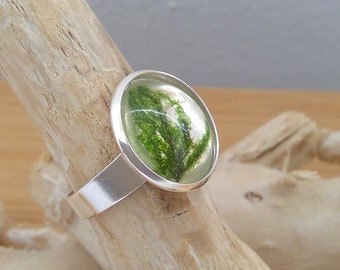 Silver ring with real moss in crystal clear resin, size customizable, on request beautiful gift wrapping, trend 2019! Nature