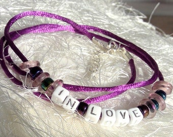 "Personalisierbar! Seiden Armband Lila ""In Love"""