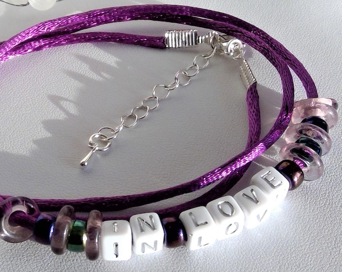 "Personalizable! Silk bracelet purple with text ""In Love,"" with pretty rainbow beads, gift for girlfriend, trendy, gift wrapping"