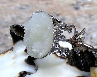 Vintage silver ring with natural white ice crystals, trend 2018, size Adjustable