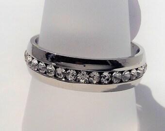 316L Chirurgenstahl Ring mit wunderschönen Kristallen