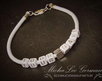 Personalisiertes Armband mit Namen & Wörten nach Wunsch