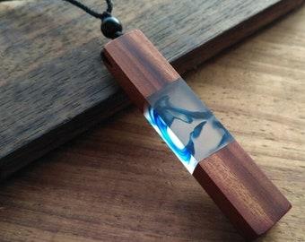 Walnut Wood Resin Pendant in Water Optics, with Black Silk Slot, length 60 cm adjustable, Natrudelous Trend 2019, Gift Box
