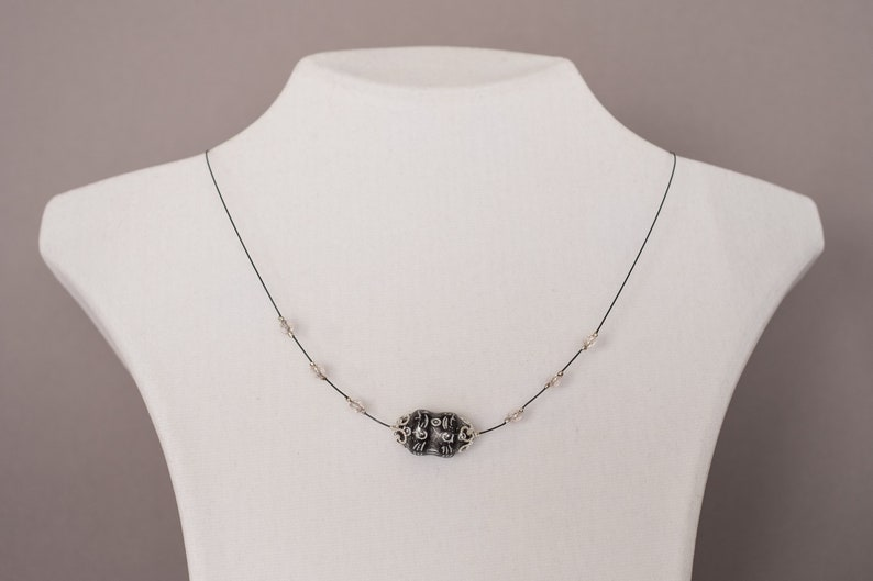 business look Czech relief pearl necklace with crystals and plug-in closure for women ladies very classy