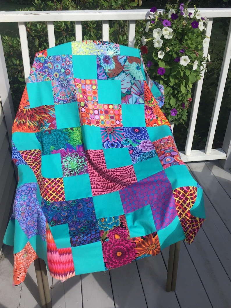 Instant download PDF Lap Quilt Pattern .. Quick and Easy .. Layer Cake /& Charm Pack friendly.../'No.4 HIGH STREET/' ..