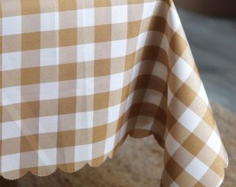 Gingham Check Scallop Edge Tablecloth