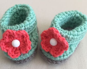 Crochet Baby Booties, Newborn Slippers, Coral, Nautical, Green, Baby Shower Gift, Pregnancy Announcement