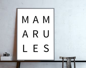 Typo poster: MOM rules, black white
