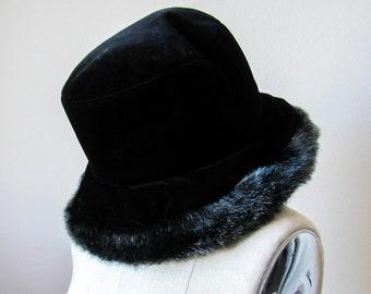 899e01bffde Artsy Vintage Black Velvet Bucket Hat With Faux Fur Trim