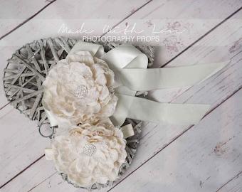Ivory Flower Lace Sash, Big Flower Belt,  Flower Girl Sash, Flower Girl Belt, Rhinestone Sash, Bridal Sash, Bridal Belt, Wedding Sash Belt