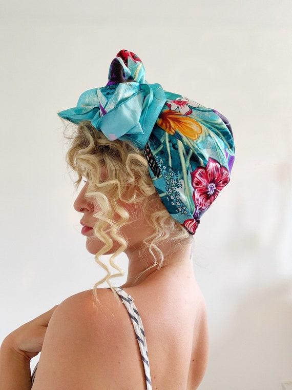 True Beauty - Vintage Style Headscarf