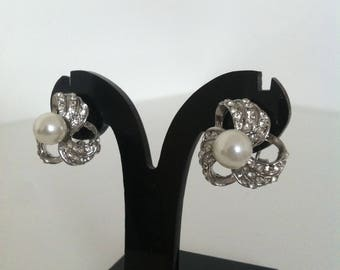 Pearl Crystal Cluster Sparkle Pierced Clip on Earrings Costume Jewellery / Party / Bridesmaid / Wedding / Bridal