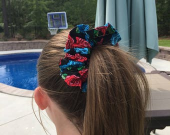 Cotton flower Scrunchie (black with red and blue flowers)