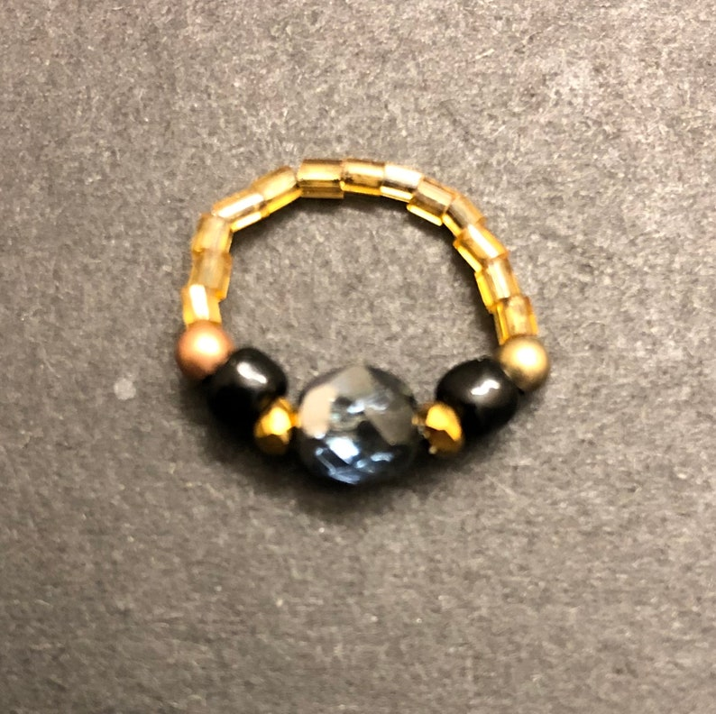rondel Toe Ring Gold glass black glass bronzebrass metal